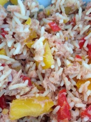 Reis mit Thunfisch, Paprika und Chilli